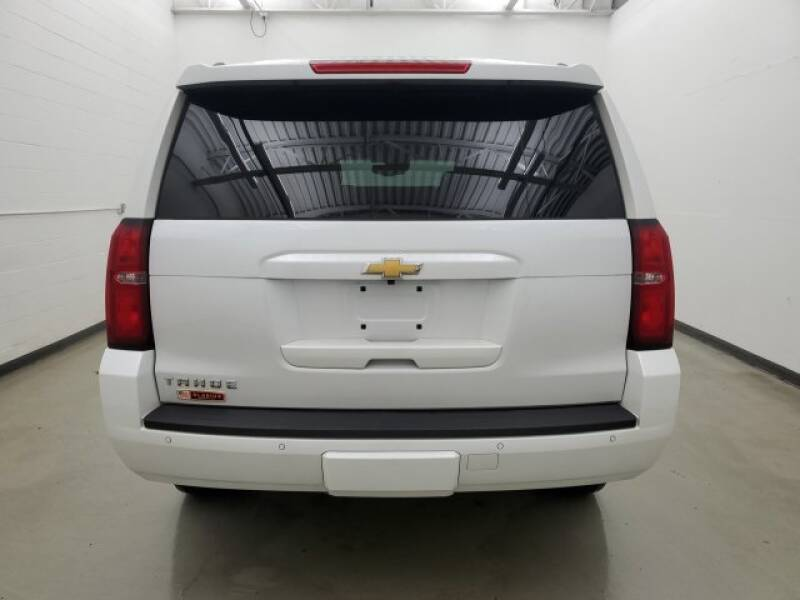 2016 Chevrolet Tahoe LT (image 35)