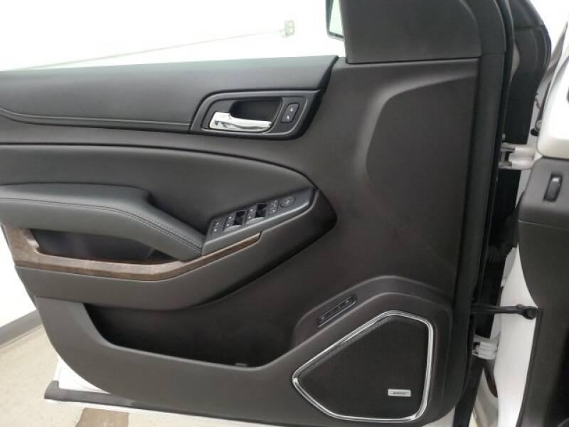 2016 Chevrolet Tahoe LT (image 21)