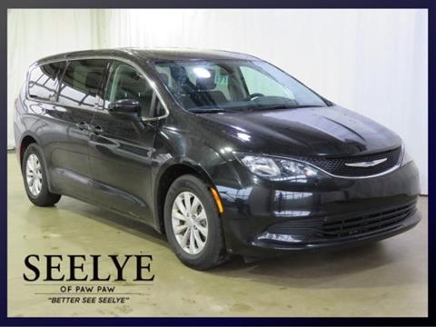 2017 Chrysler Pacifica for sale in Paw Paw, MI