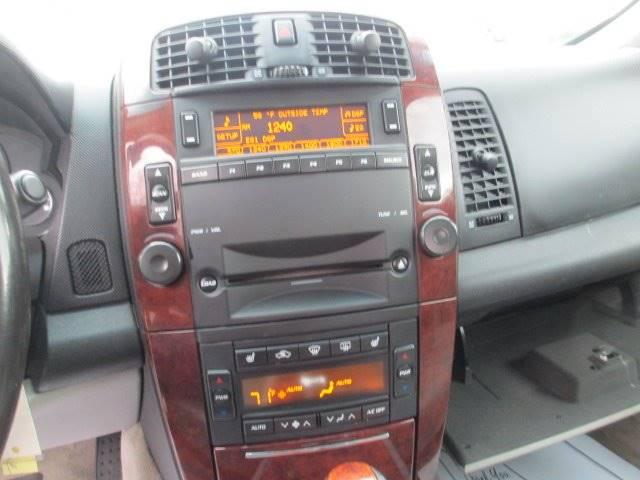 2006 Cadillac SRX (image 11)