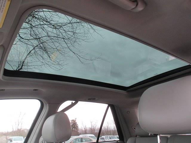 2006 Cadillac SRX (image 12)