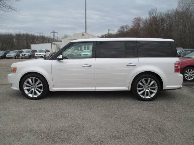 2010 Ford Flex Limited (image 2)