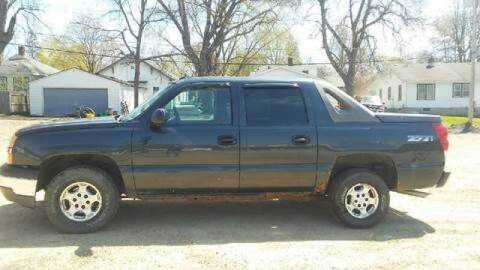 2005 Chevrolet Avalanche for sale at Southtown Auto Sales in Albert Lea MN