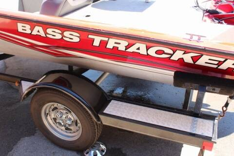 2011 Tracker n/a