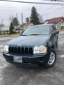 2005 Jeep Grand Cherokee Laredo for sale at Bing's Auto LLC in Mifflinburg PA