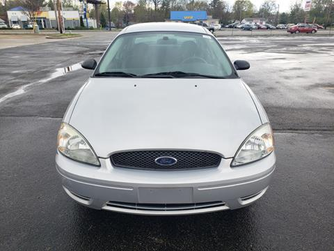 2005 Ford Taurus for sale at Speedy Auto Sales in Indianapolis IN