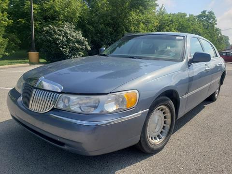 2000 Lincoln Town Car for sale at Speedy Auto Sales in Indianapolis IN