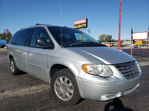 2006 Chrysler Town and Country for sale at speedy auto sales in Indianapolis IN