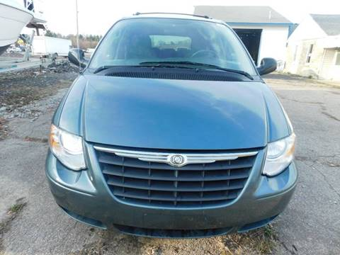 Chrysler town and country for sale in indianapolis in for Coast to coast motors fishers