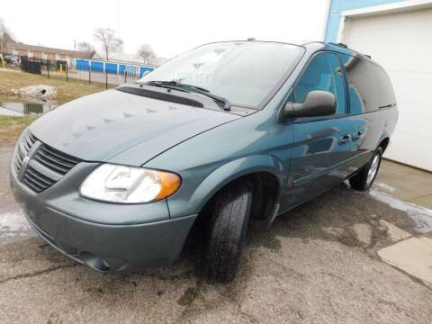 2007 Dodge Grand Caravan for sale at Safeway Auto Sales in Indianapolis IN