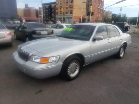2000 Mercury Grand Marquis for sale in Detroit, MI