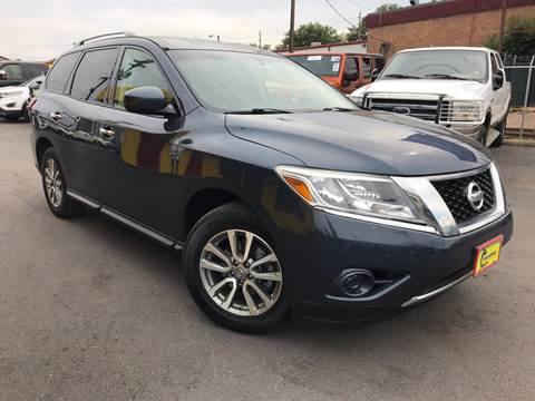 2014 Nissan Pathfinder for sale at New Wave Auto Brokers & Sales in Denver CO