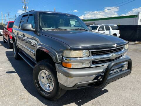2001 Chevrolet Suburban for sale at New Wave Auto Brokers & Sales in Denver CO