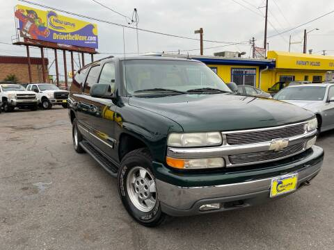 2003 Chevrolet Suburban for sale at New Wave Auto Brokers & Sales in Denver CO