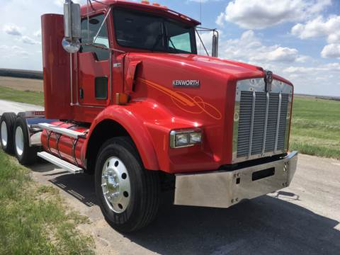 2005 Kenworth T800 for sale in Hill City, KS