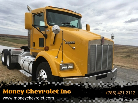 2006 Kenworth T800 for sale in Hill City, KS