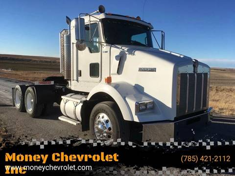 2007 Kenworth T800 for sale in Hill City, KS