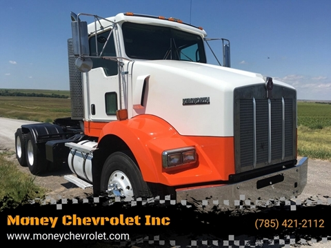 2010 Kenworth T800 for sale in Hill City, KS