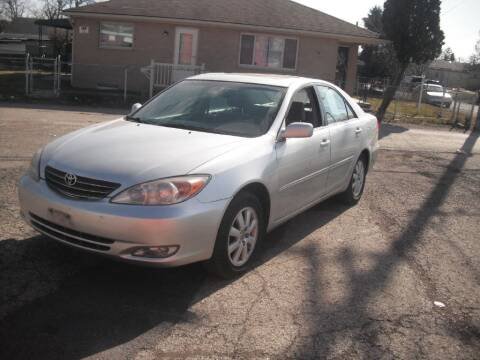 2004 Toyota Camry for sale at Flag Motors in Columbus OH