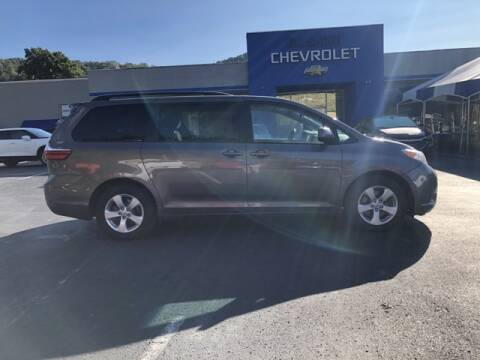 2017 Toyota Sienna for sale at Tim Short Auto Mall 2 in Corbin KY