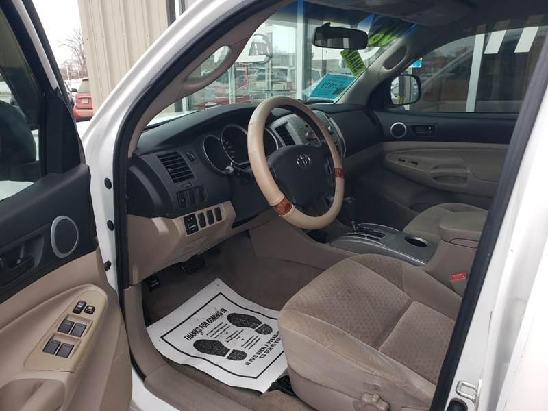 2008 Toyota Tacoma PreRunner V6 (image 6)