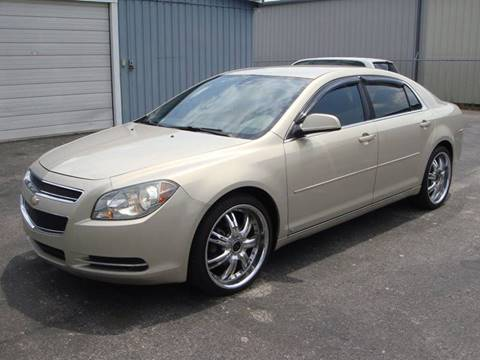 2009 Chevrolet Malibu for sale at Driving Xcellence in Jeffersonville IN