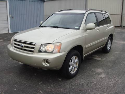 2002 Toyota Highlander for sale at Driving Xcellence in Jeffersonville IN