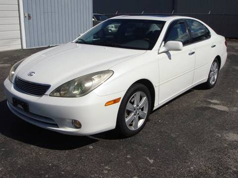 2005 Lexus ES 330 for sale at Driving Xcellence in Jeffersonville IN