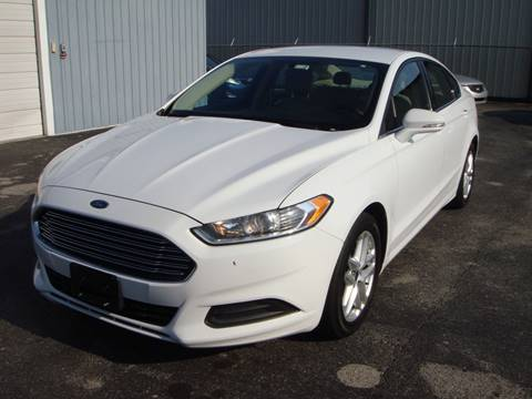 2014 Ford Fusion for sale at Driving Xcellence in Jeffersonville IN