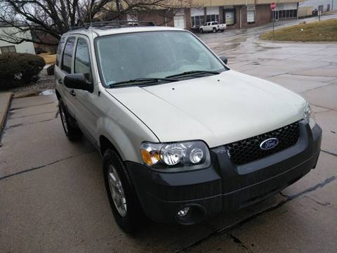 2005 Ford Escape for sale at Divine Auto Sales LLC in Omaha NE