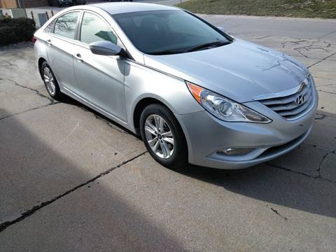2013 Hyundai Sonata for sale at Divine Auto Sales LLC in Omaha NE