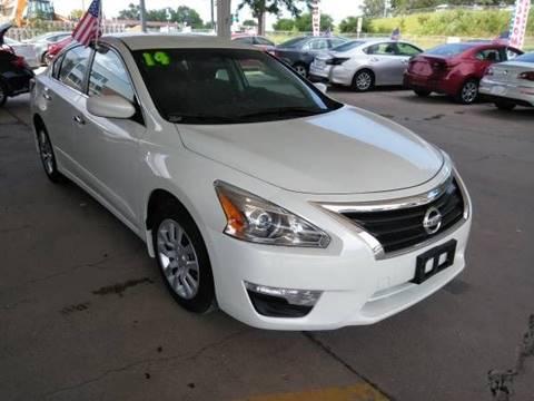 2014 Nissan Altima for sale at Divine Auto Sales LLC in Omaha NE