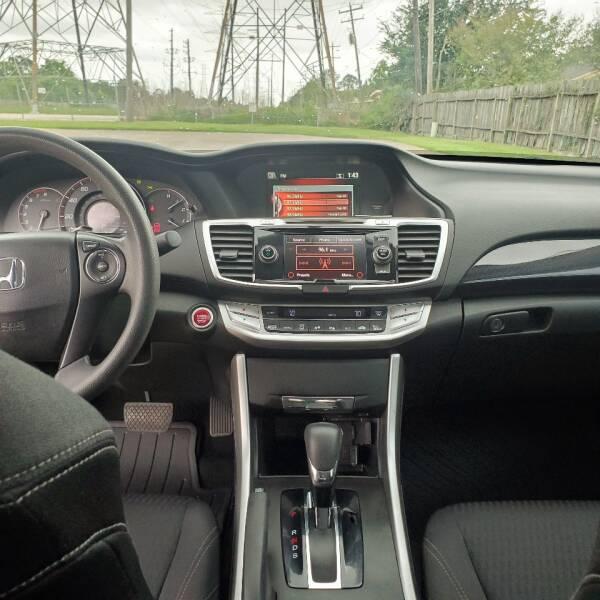2014 Honda Accord EX (image 12)