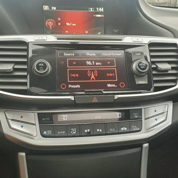 2014 Honda Accord EX (image 18)