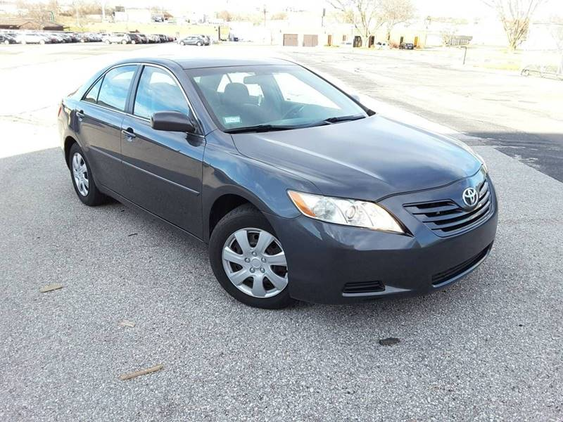 2009 Toyota Camry Le Tire Size