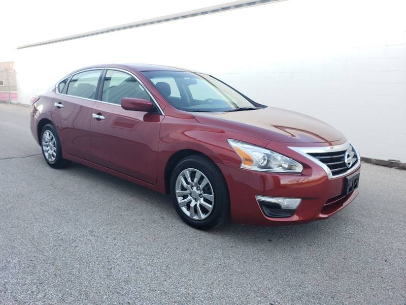 owned fwd chicago pre in inventory nissan s altima used certified sedan