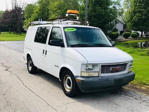 2000 GMC Safari Cargo for sale in Country Club Hills, IL