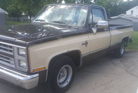 Pickup Truck For Sale in Assumption, IL - Kuhle Inc