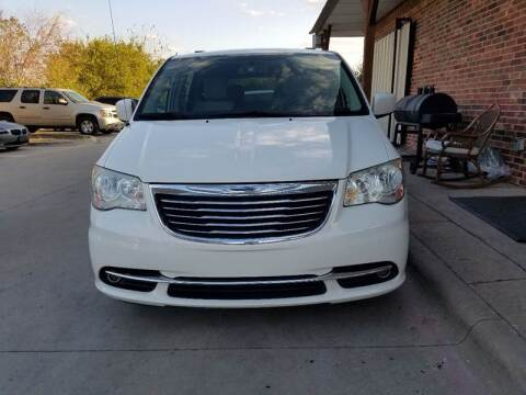 2011 Chrysler Town and Country for sale in Grand Prairie, TX