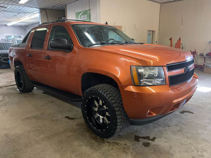 2008 Chevrolet Avalanche for sale at High Country Automotive LLC in Harrisburg SD