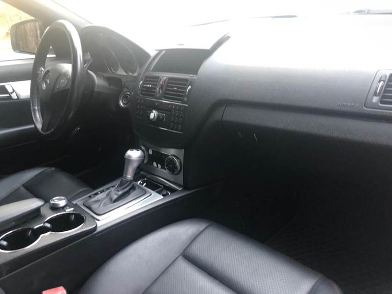 2009 Mercedes-Benz C-Class C 300 Sport (image 21)