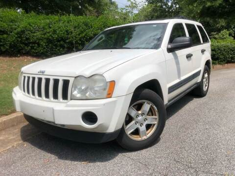 2005 Jeep Grand Cherokee Laredo for sale at Global Imports Auto Sales in Buford GA