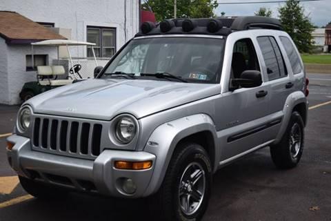 2004 Jeep Liberty for sale at L&J AUTO SALES in Birdsboro PA