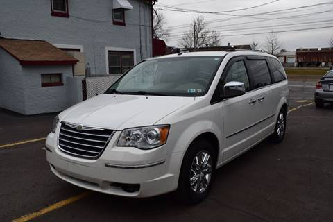 2008 Chrysler Town and Country for sale at L&J AUTO SALES in Birdsboro PA