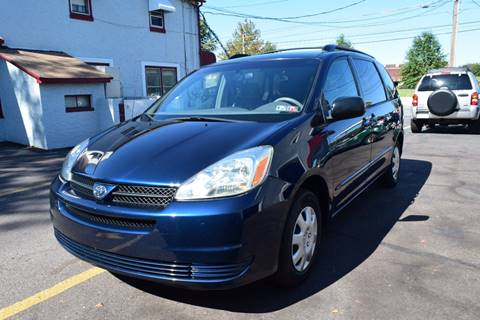 2005 Toyota Sienna for sale at L&J AUTO SALES in Birdsboro PA
