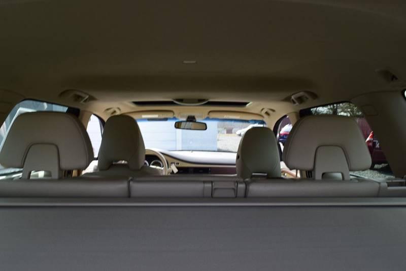 2011 Volvo XC70 3.2 (image 16)