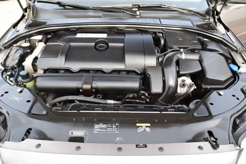 2011 Volvo XC70 3.2 (image 26)