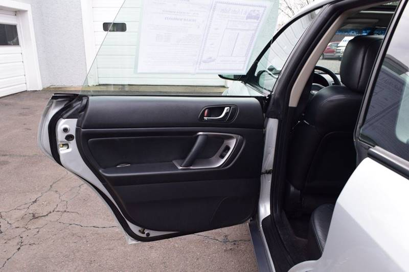 2006 Subaru Outback 2.5i Limited (image 16)