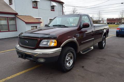 2001 Ford F-150 XLT for sale at L&J AUTO SALES in Birdsboro PA