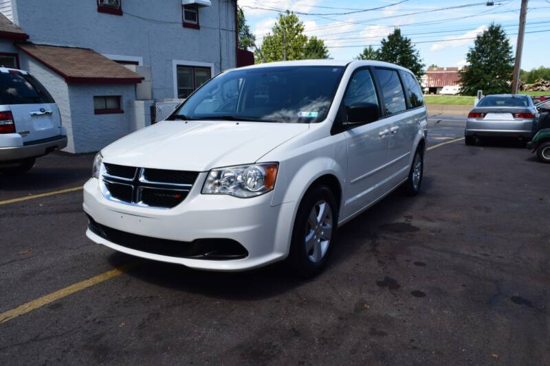 2013 Dodge Grand Caravan for sale at L&J AUTO SALES in Birdsboro PA